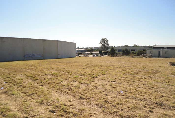 9 & 11 Sonia Court Raceview QLD 4305 - Image 1