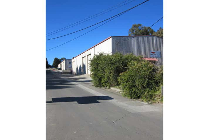 9 McCourt Road Moss Vale NSW 2577 - Image 1