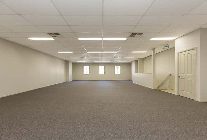 1st Floor, 324 Peel Street Tamworth NSW 2340 - Image 1