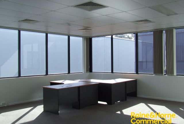 Suite 2, 3/19 Islander Rd Pialba QLD 4655 - Image 1