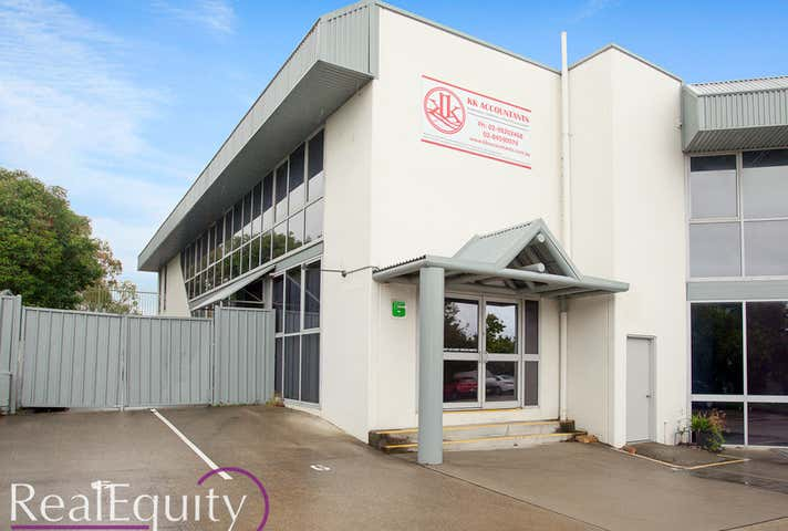 6/5 Cary Grove Minto NSW 2566 - Image 1