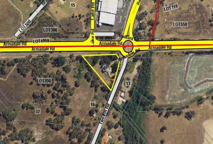 6 Twelfth Road Haynes WA 6112 - Image 1