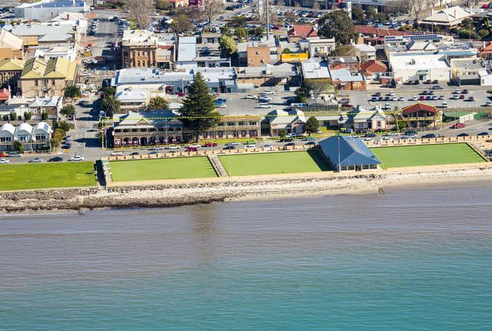 21-25 Flinders Parade Victor Harbor SA 5211 - Image 1