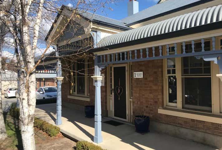 1 Hampden Avenue Orange NSW 2800 - Image 1