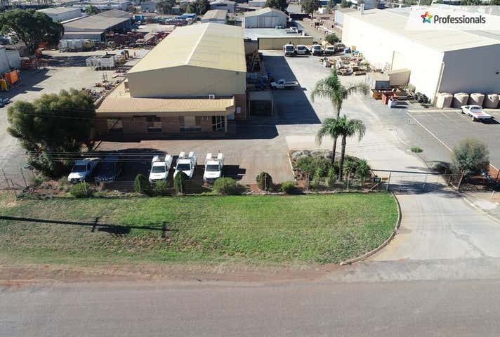19 Hunter Street West Kalgoorlie WA 6430 - Image 1
