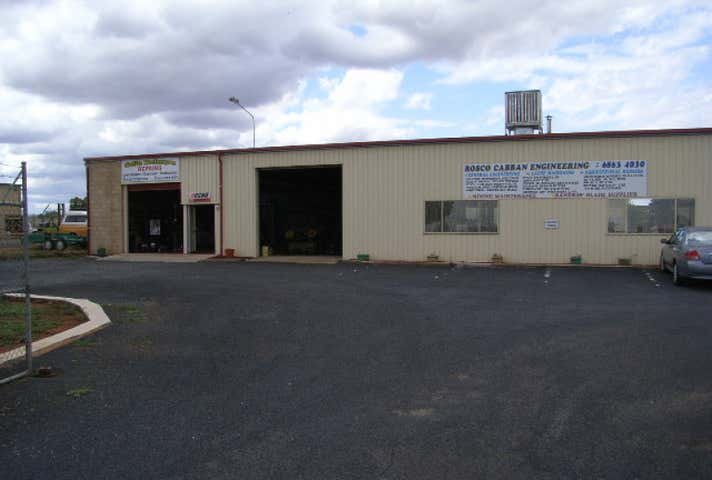 2/24 Saleyards Rd Parkes NSW 2870 - Image 1