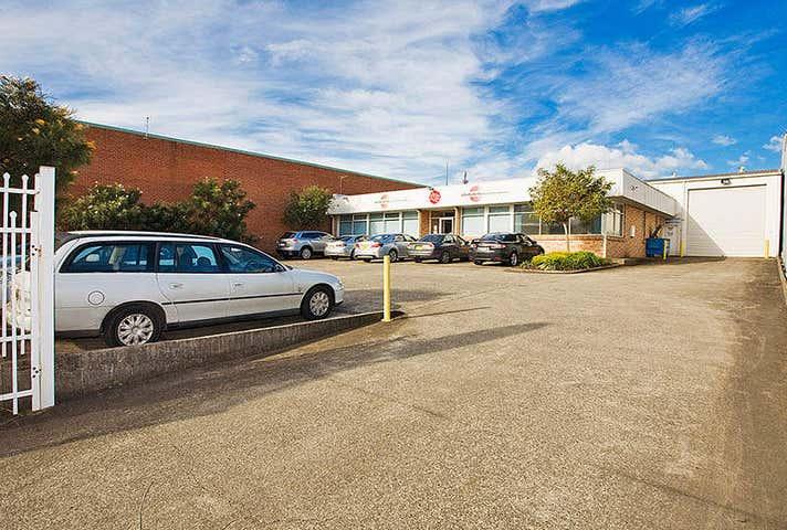 21 Waverley Drive Unanderra NSW 2526 - Image 1