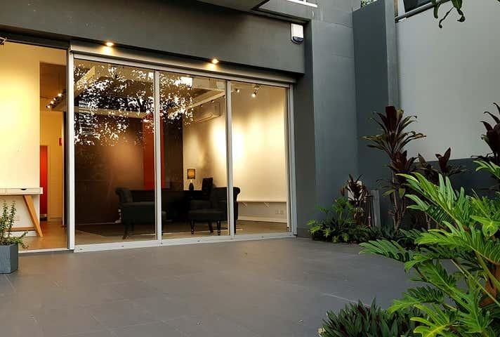 7/11 Wambool Street Bulimba QLD 4171 - Image 1