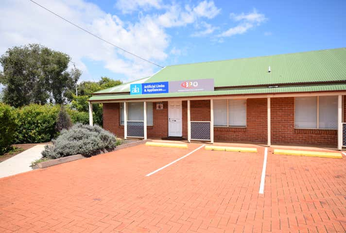 Unit 1, 2-4 Rob Street Newtown QLD 4350 - Image 1