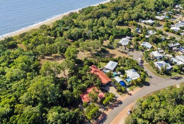 284 Ocean Parade Balgal Beach QLD 4816 - Image 1
