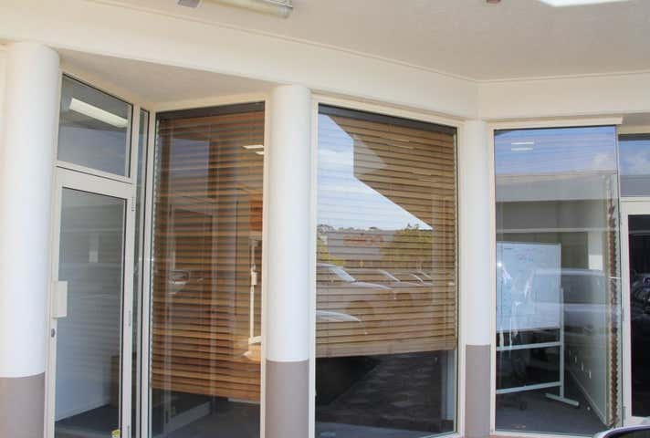 4/12 Classic Way Burleigh Waters QLD 4220 - Image 1