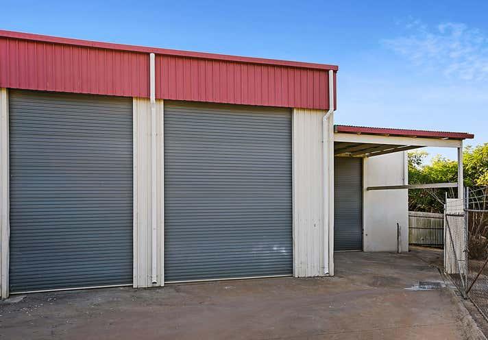 1/12 Brook Street North Toowoomba QLD 4350 - Image 2