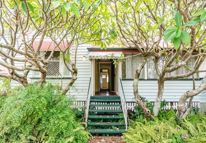 238 & 242 Bay Terrace Wynnum QLD 4178 - Image 2