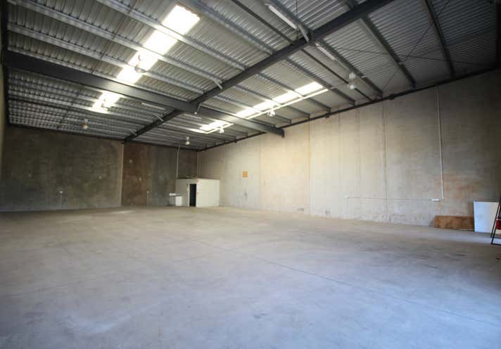 8/207-217 McDougall Street Wilsonton QLD 4350 - Image 2