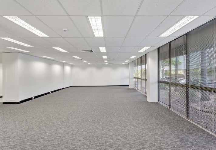 130 Bundall Road Bundall QLD 4217 - Image 13