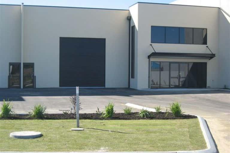 1/3 Tacoma Circuit Canning Vale WA 6155 - Image 1