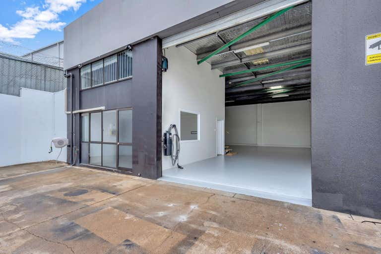 Unit 5, 13 Commercial Drive Ashmore QLD 4214 - Image 3