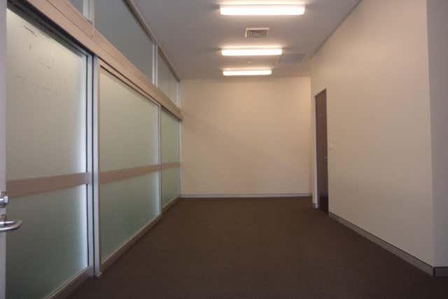 2/125 Sharp Street Cooma NSW 2630 - Image 2