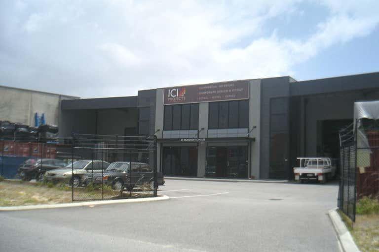 29 Mordaunt Circuit Canning Vale WA 6155 - Image 2