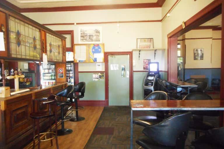 Junee Hotel, 17-21  Seignior Street Junee NSW 2663 - Image 4