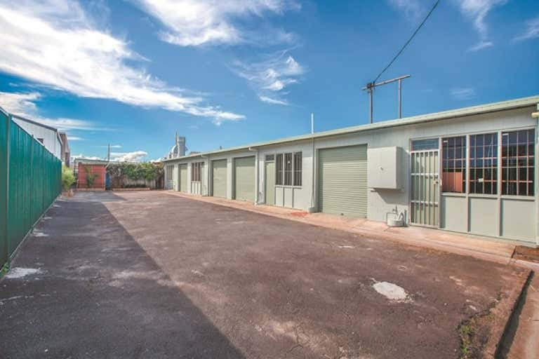 5/35A Margaret Street Southport QLD 4215 - Image 3
