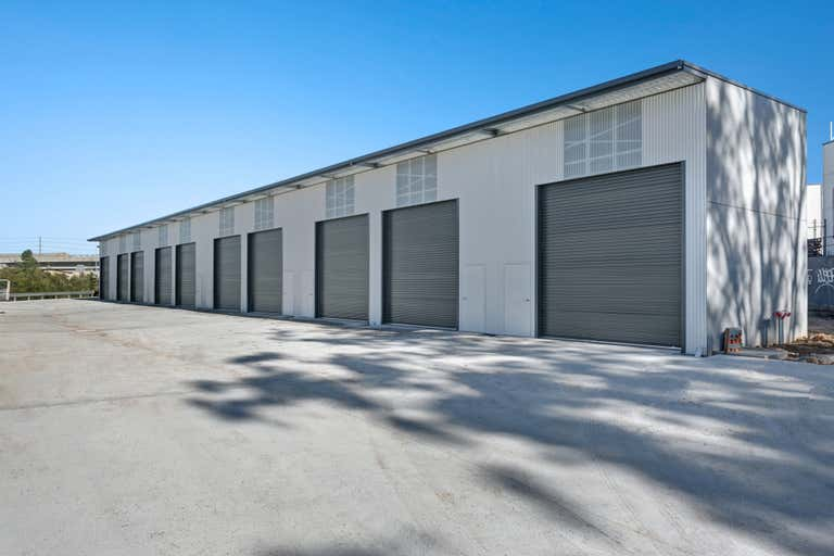 8 Weakleys Drive Thornton NSW 2322 - Image 2