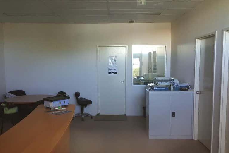 4/30 Enterprise Crescent Malaga WA 6090 - Image 2