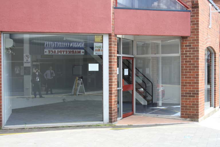 3/13 Quadrant Mall Launceston TAS 7250 - Image 2