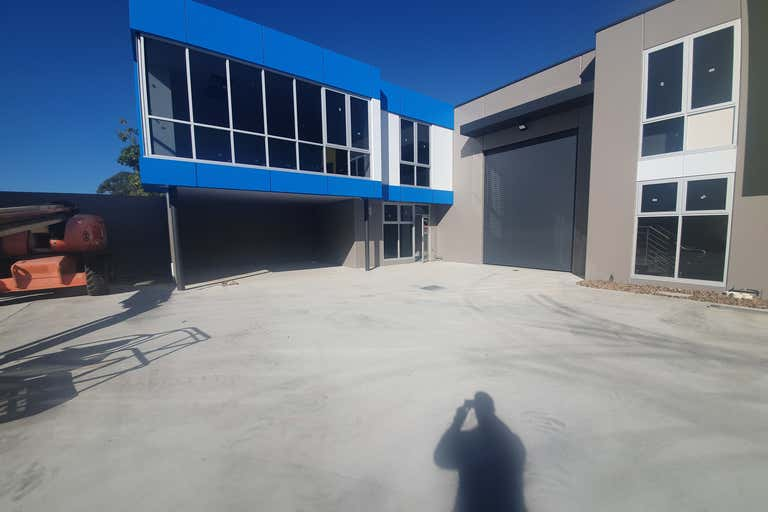 4/9-11 Industrial Circuit Cranbourne West VIC 3977 - Image 1