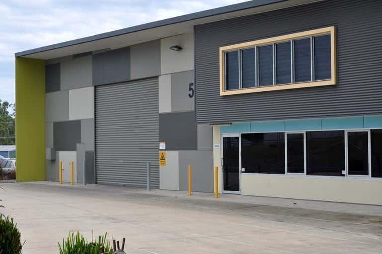 5 Featherstone Drive Woolgoolga NSW 2456 - Image 4