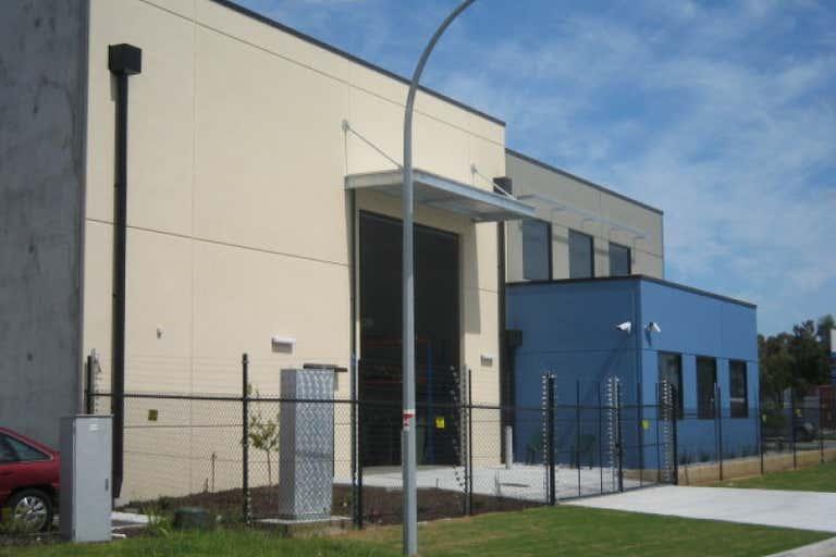 30 Tacoma Circuit Canning Vale WA 6155 - Image 2