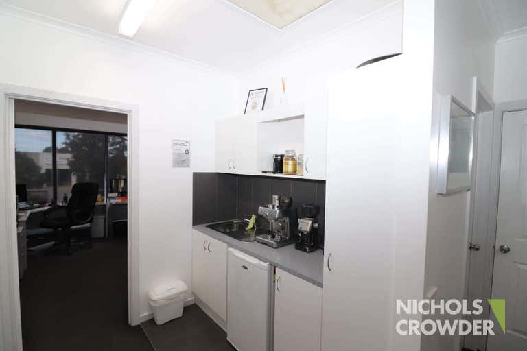 1/8-12 Lieber Grove Carrum Downs VIC 3201 - Image 3