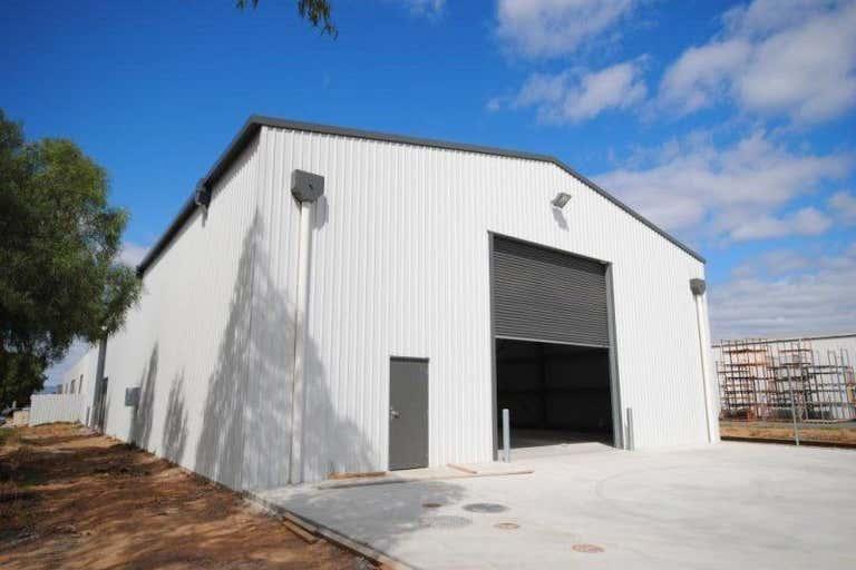 92 South Terrace Wingfield SA 5013 - Image 1
