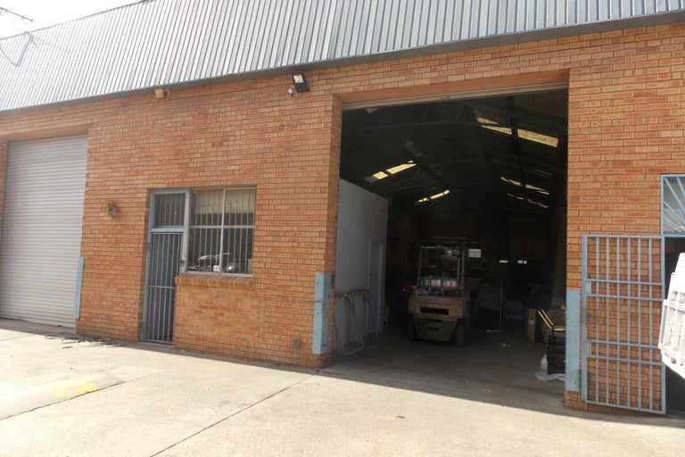 Unit 6, 10-16 Sturt Street Smithfield NSW 2164 - Image 2