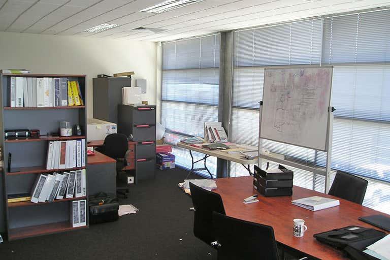 8/3 Westside Avenue Port Melbourne VIC 3207 - Image 3