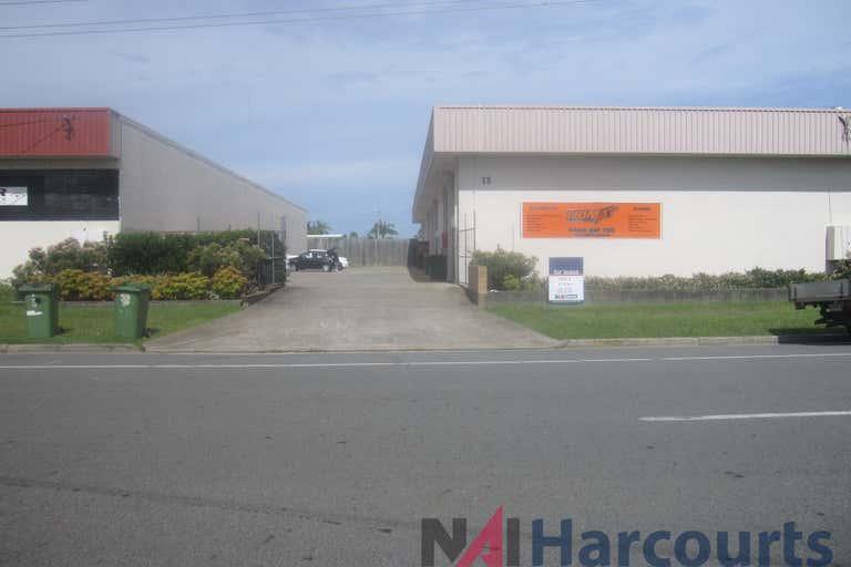 4/12 Ereton Drive Arundel QLD 4214 - Image 2