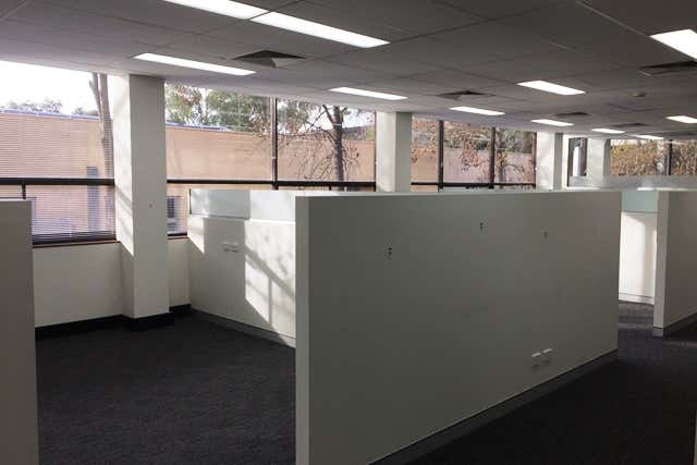 40 Thesiger Court Deakin ACT 2600 - Image 4