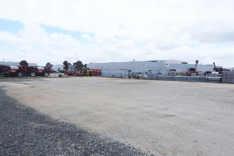29 Bungana Avenue Perth Airport WA 6105 - Image 4