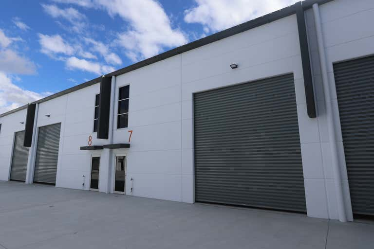 7/9 Greg Chappell Drive Burleigh Heads QLD 4220 - Image 1