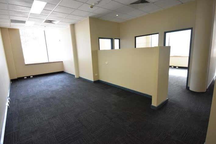 Ground Floor Suite 31, 4 Ravenshaw Street Newcastle West NSW 2302 - Image 2