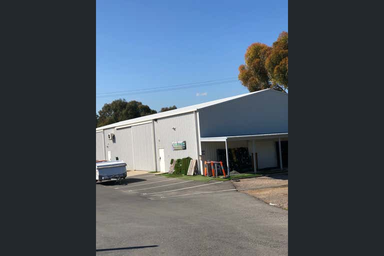 3 A, 46 Morrow Road Lonsdale SA 5160 - Image 2