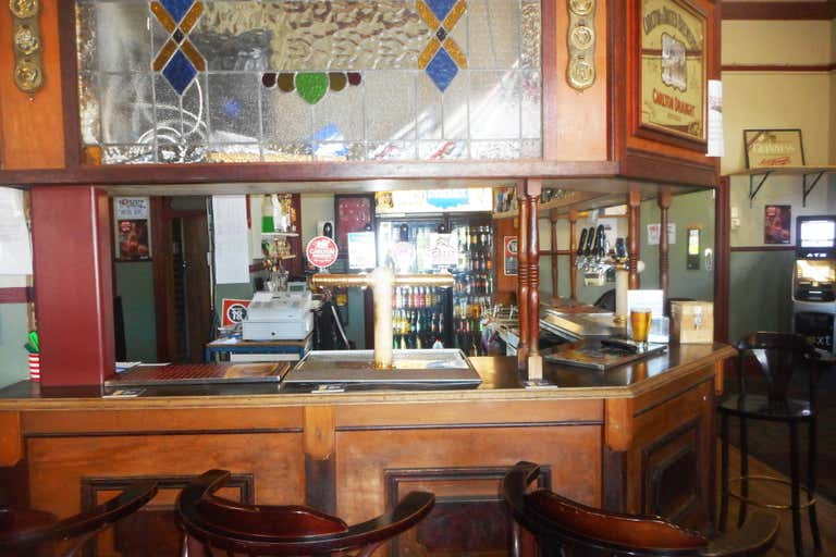 Junee Hotel, 17-21  Seignior Street Junee NSW 2663 - Image 3