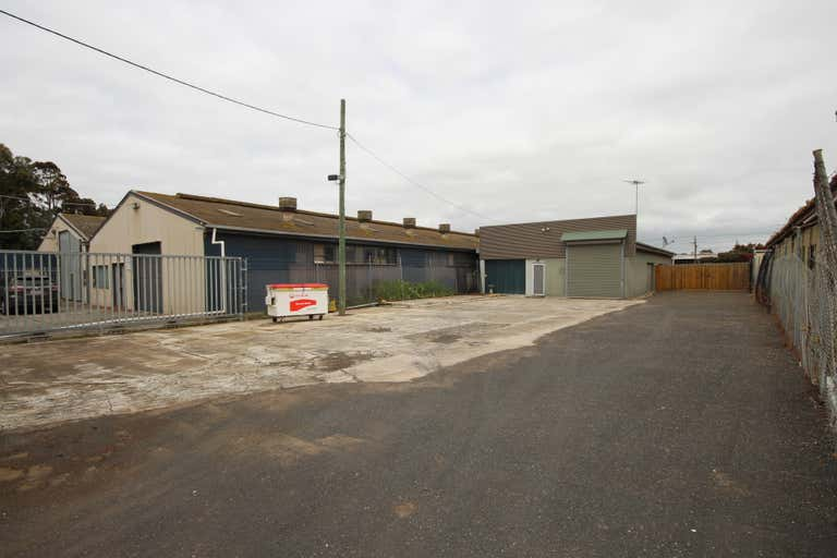 1C Seaforth Street North Shore VIC 3214 - Image 2