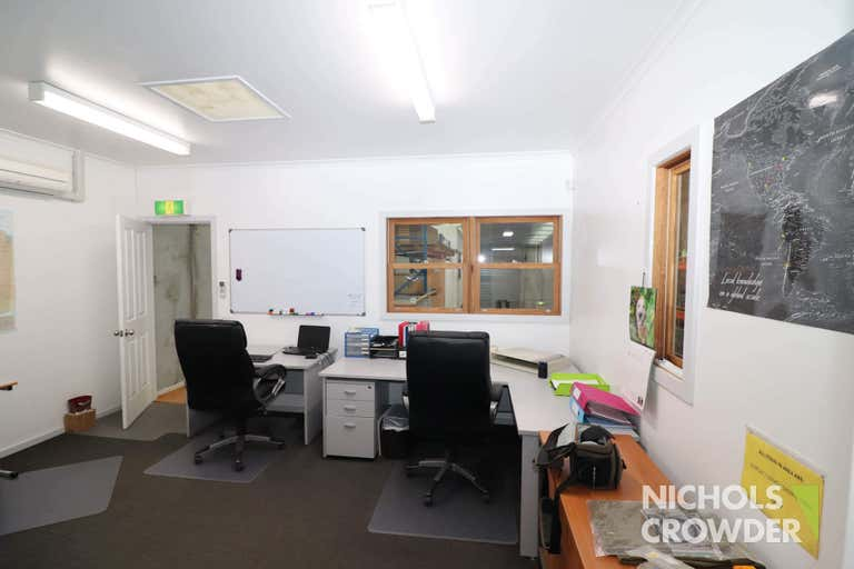 1/8-12 Lieber Grove Carrum Downs VIC 3201 - Image 4