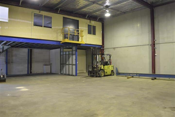 (Unit 5)/6 Farrier Place Rutherford NSW 2320 - Image 2