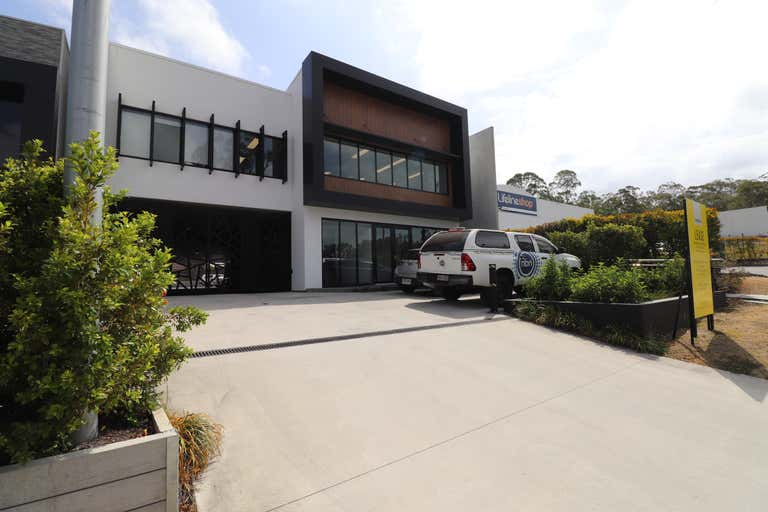 1/10 New Street Nerang QLD 4211 - Image 2