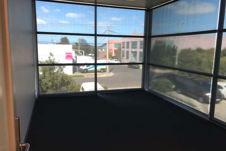 1st Floor/20 Montefiore Street Fairfield VIC 3078 - Image 2