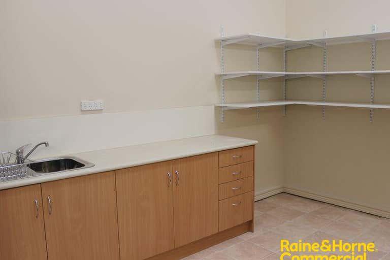 Suite 18 46-52 Baylis Street Wagga Wagga NSW 2650 - Image 4