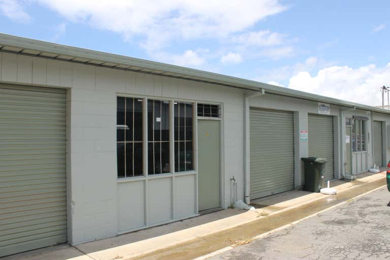 5/35A Margaret Street Southport QLD 4215 - Image 1