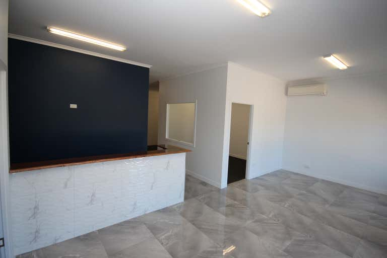 Shop 5, 66-84 Bayswater Road Hyde Park QLD 4812 - Image 4
